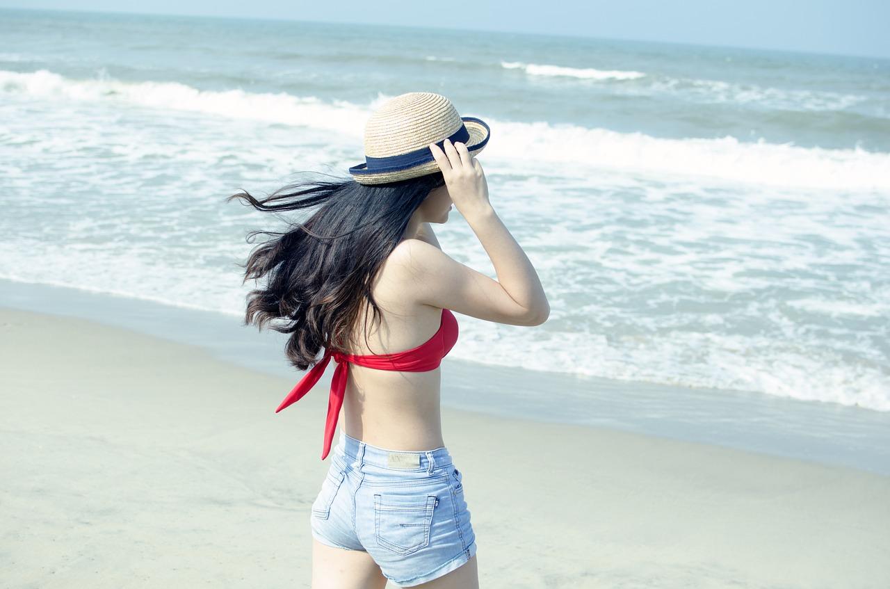 beach-1368021_1280