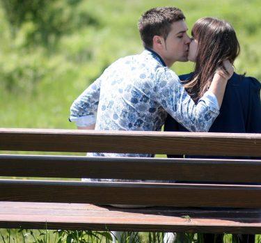 ¿Existe la alergia a los besos?