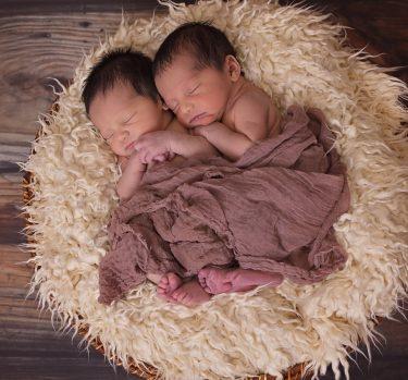 Mellizos y gemelos, ¿son lo mismo?