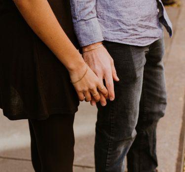 Métodos contemporáneos para encontrar pareja