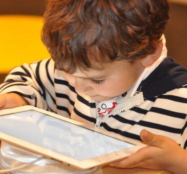 ¿Cómo afectan los medios digitales en la memoria de los niños?